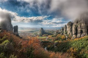 hdr-photo-meteora-greece-valley-of-fog